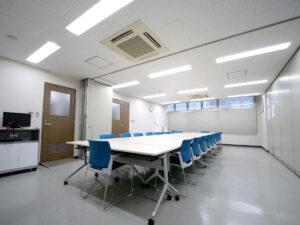 大人数収容可の大会議室